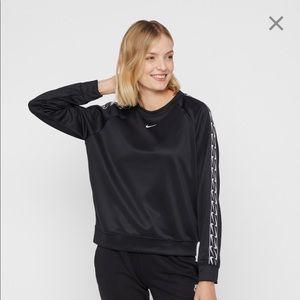 Logo Crew Nike Sportswear Sweatshirt Black Small